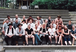 2001 Kultakuumetta - Näyttelijäkatras